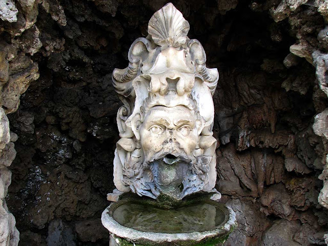 Mascaron fountain, Parterre, former zoological garden, Livorno