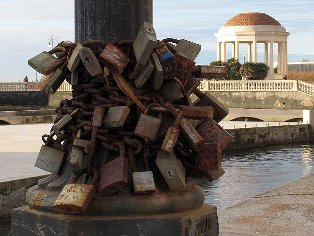 Love padlocks, Livorno