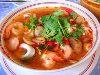 6 Makanan Khas Thailand Halal di Bangkok Yang Terkenal Aneh dan Enak : Tom Yam DLL