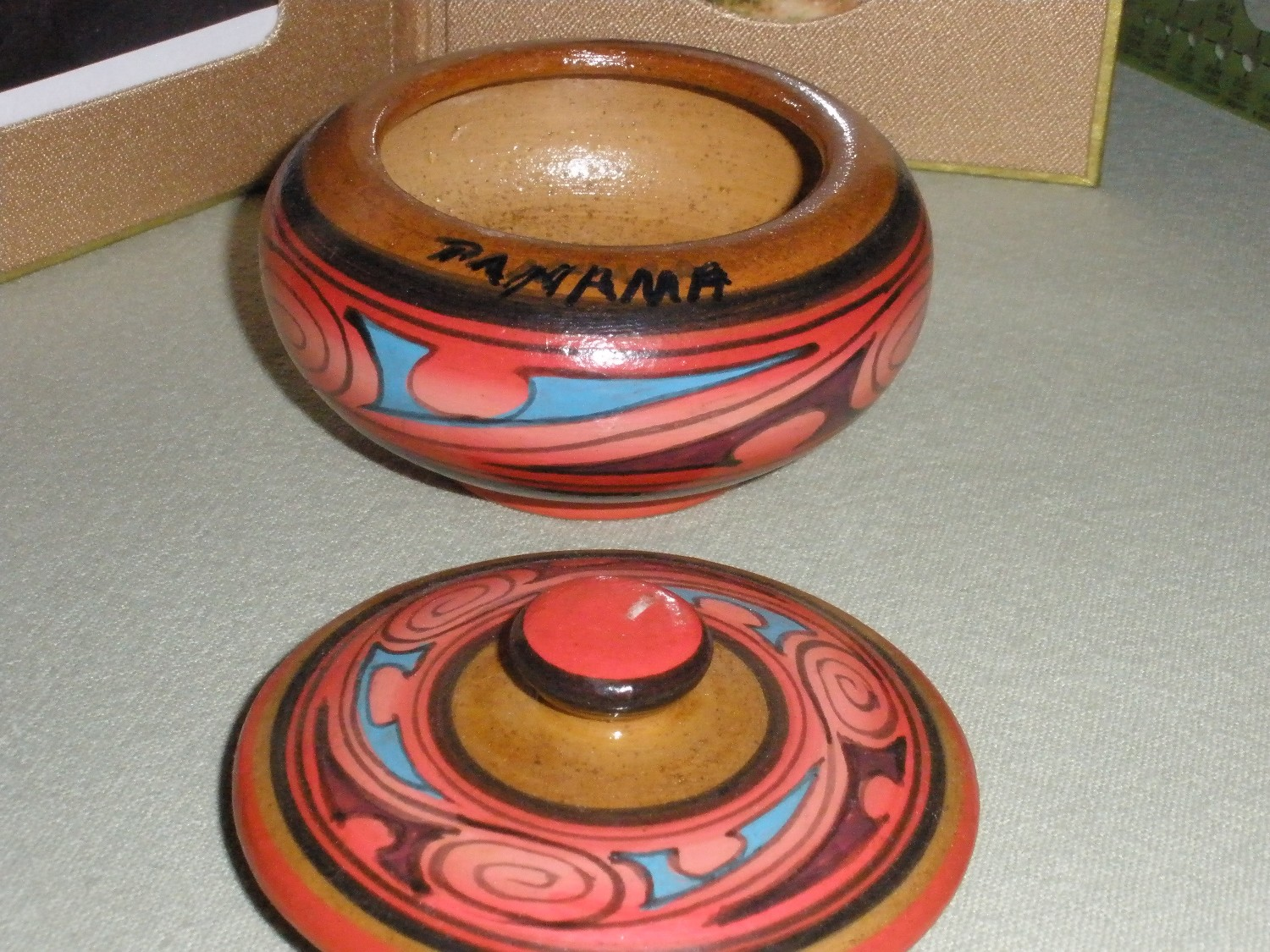 souvenir+typical+handcrafted+bowl