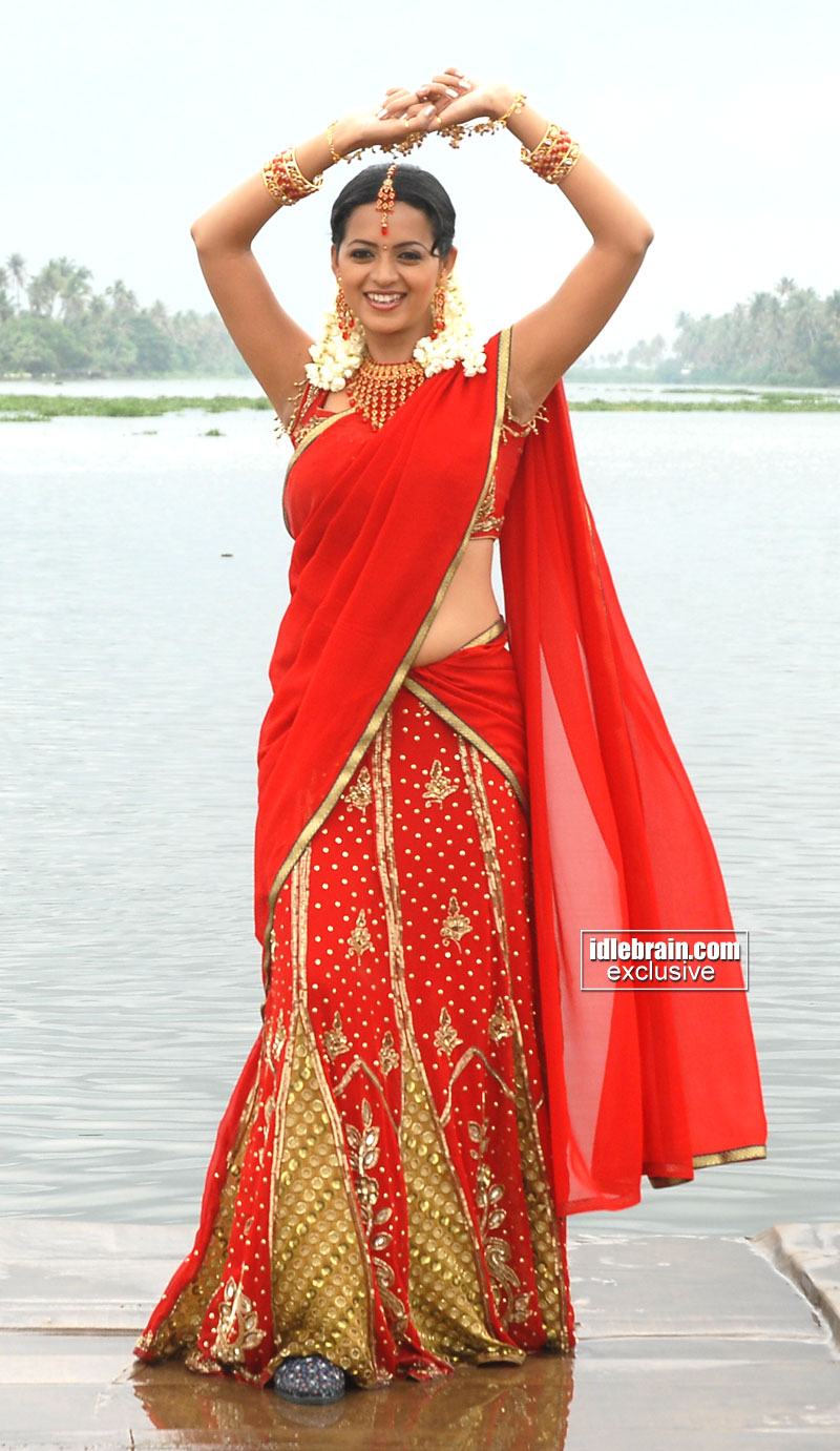 Kerala Kutty Bhavana Bhavana Hot Navel In Red Saree -1046