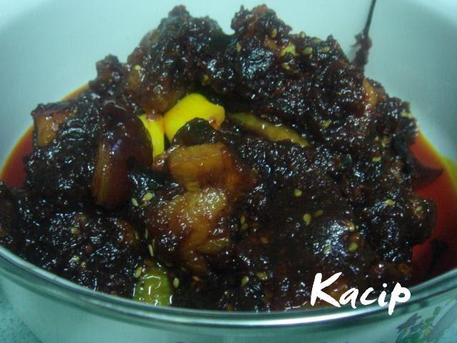 Kacip's Kitchen: Acar Ikan Masin