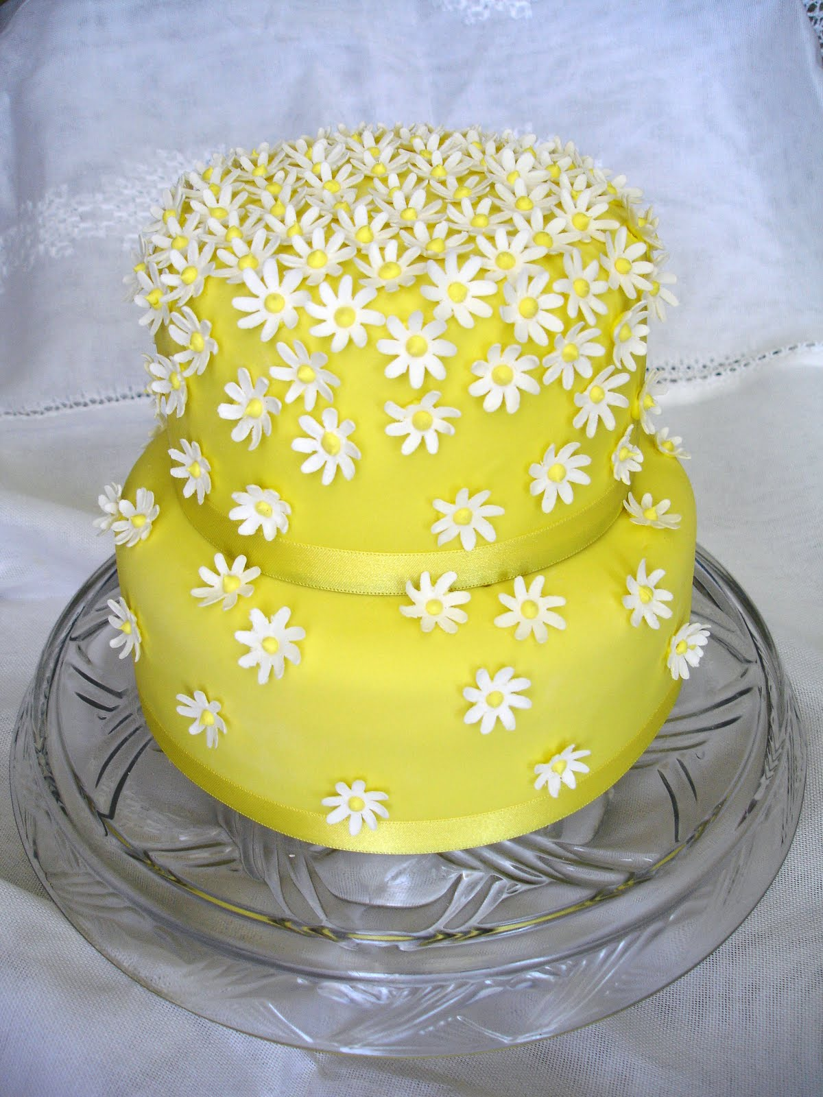 Cake Flair Yellow With Daisies