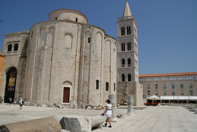 Romanesque-Cathedral-of-St-Anastasia