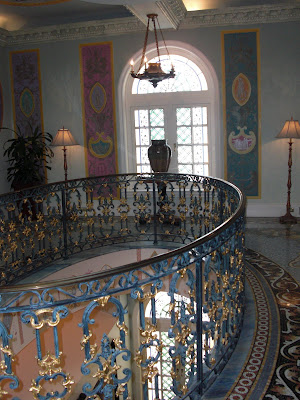 The Maia Chronicles Maia Visits Casa Casuarina Versace