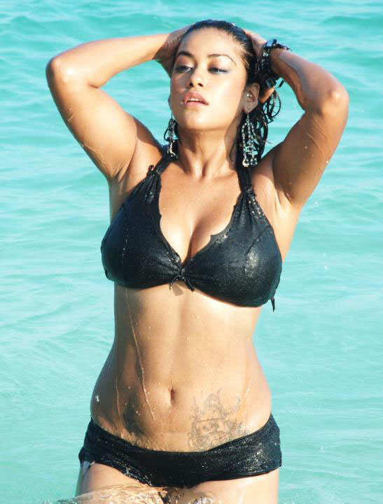 [Mumaith+khan+Bikini+Photos6.jpg]