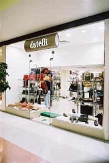 9eeaca4ca8a A marca de calçados e acessórios Datelli