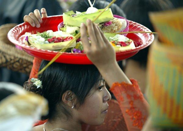 BUDAYA BALI: TARI JOGED BUMBUNG BALI