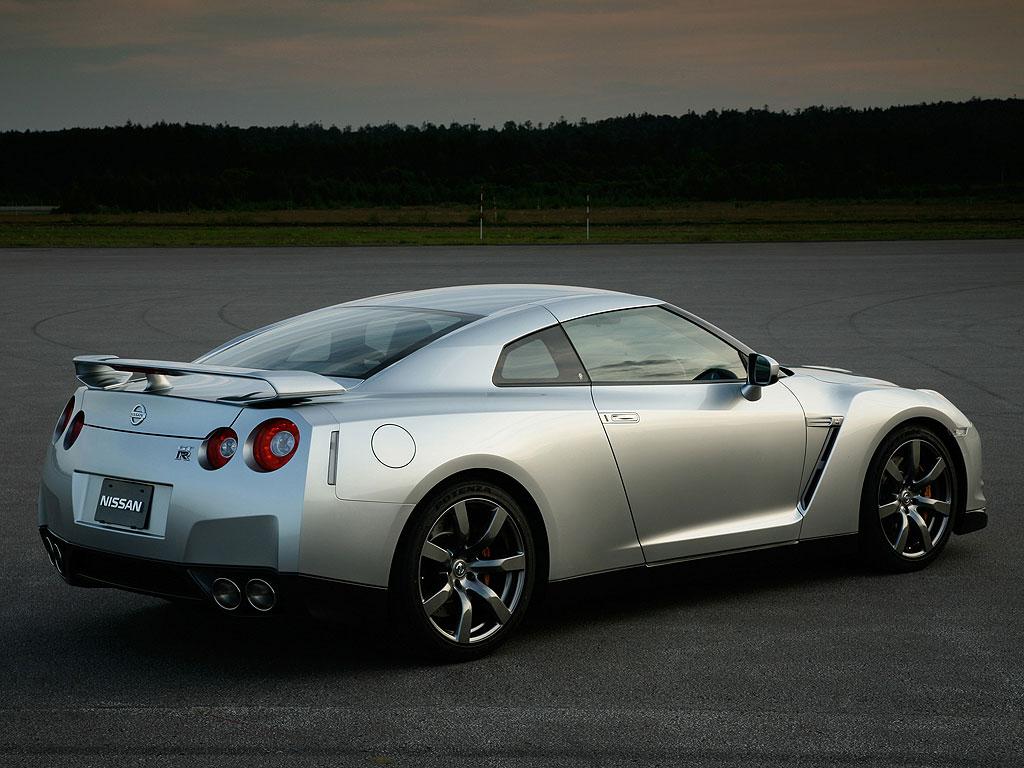 Hablemos Un Poco De Todo Nissan Gt R