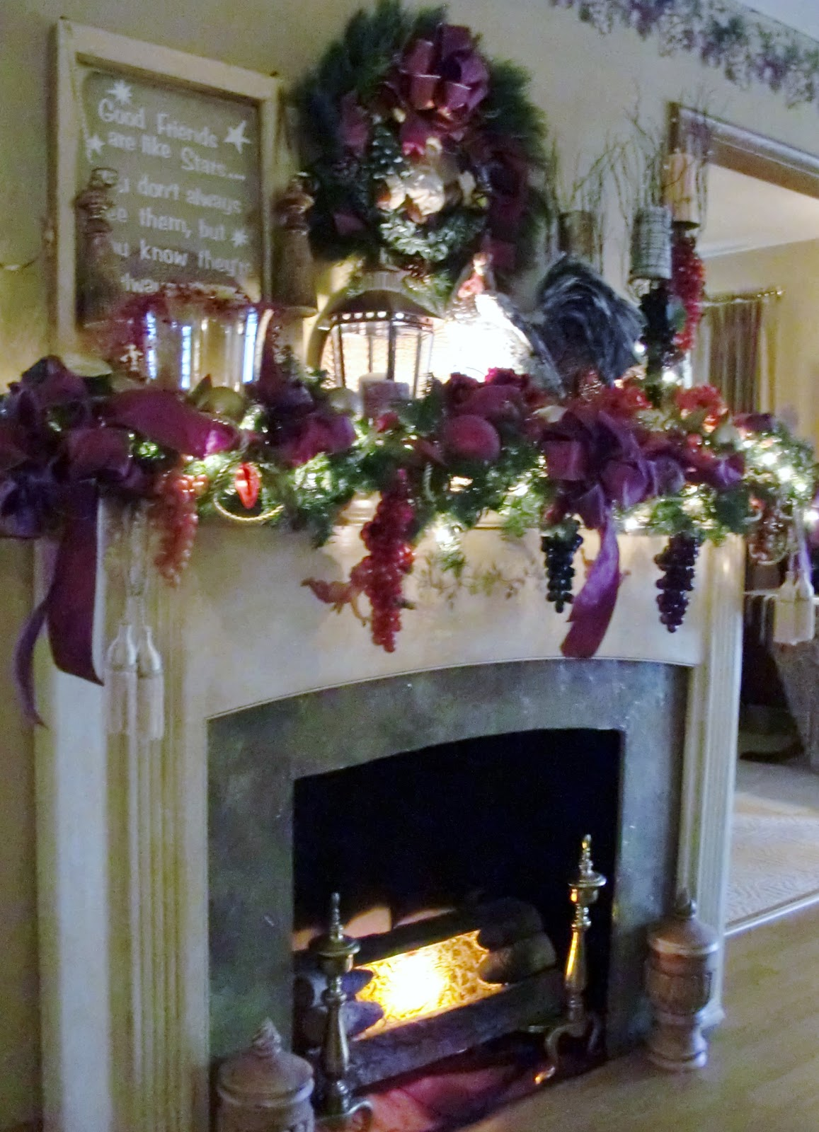 Creative Home Decorating!: Christmas Faux Fireplace Mantel!