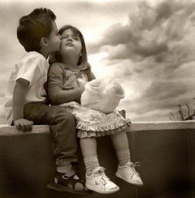 Foto bij 9. Cute Litte Boy&Girl