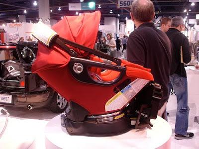 Yaz Very Own Strollers Safe Haven Orbit Baby G2 2010