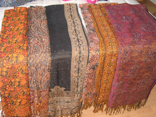 How to Choose a Pashmina Shawl or Scarf ~ The Pashmina Store