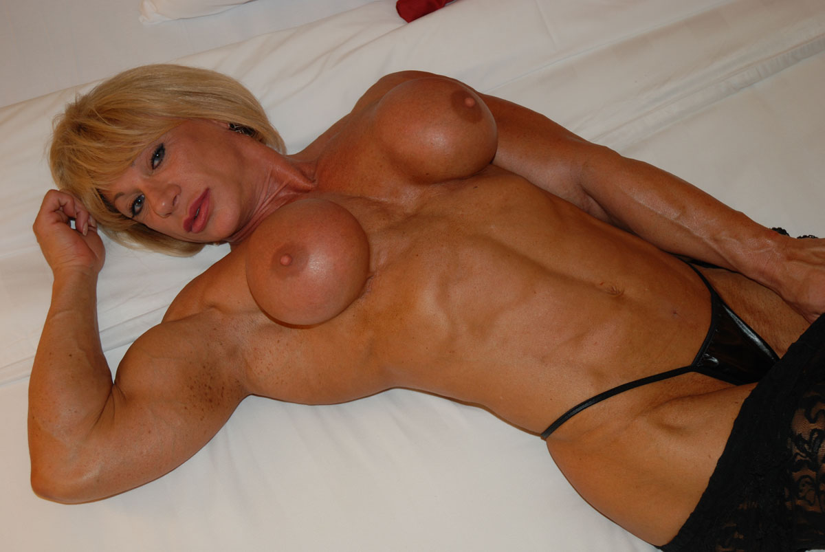 Sexy Muscular Girls In Bedroom Kathy Connors-1768