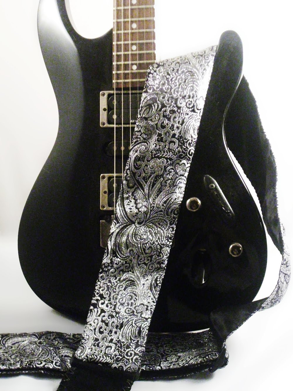 cool straps custom handmade guitar straps stepping outside the stage image box. Black Bedroom Furniture Sets. Home Design Ideas