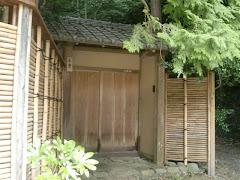 小倉遊亀邸の門