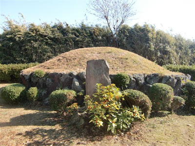 仏行寺源太塚