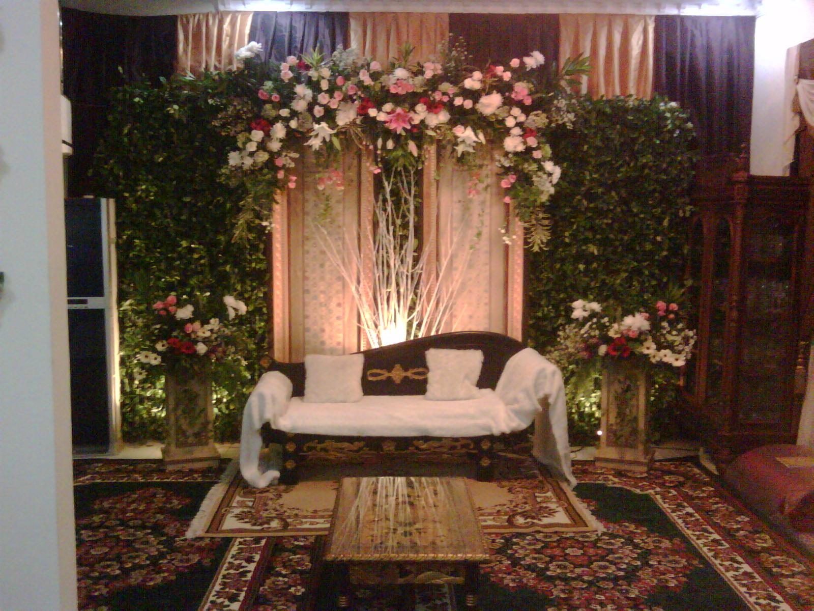 Desain Pernikahan Dekorasi Pelaminan Minimalis Di Dalam Rumah