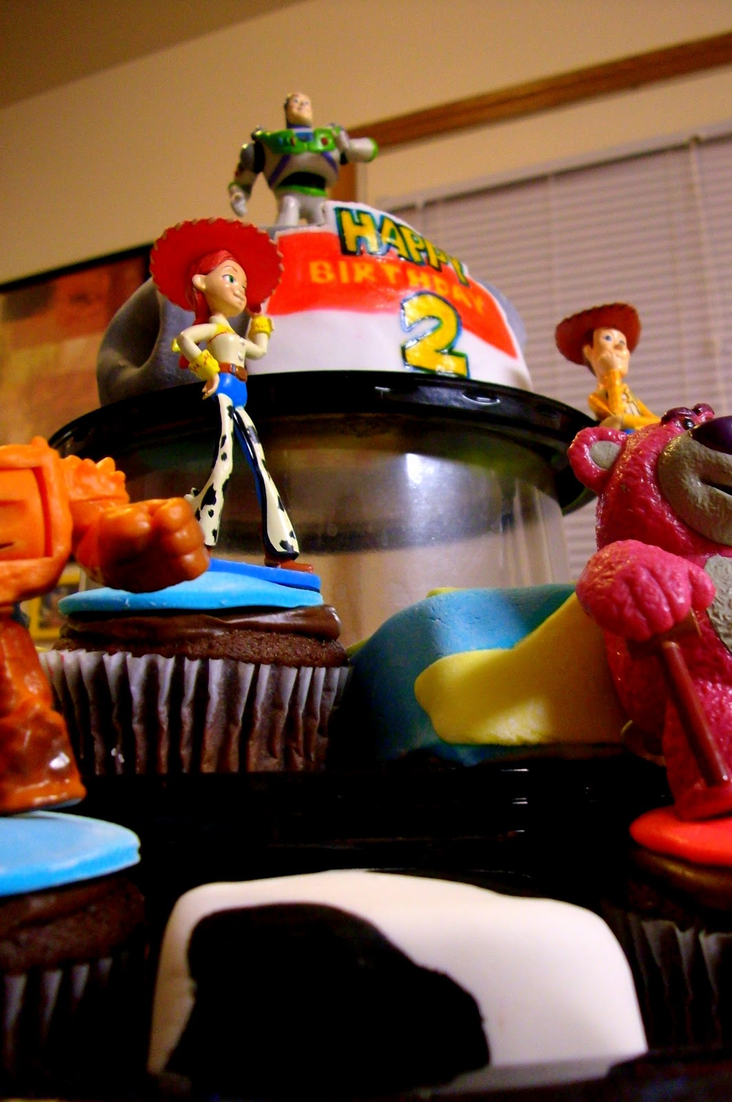 M 233 Deslys Cupcakes And Minis