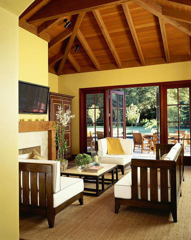 Wooden Furniture Living Room Designs: Homestead Oak Daily Buzz: Decorating With Sunny Yellow
