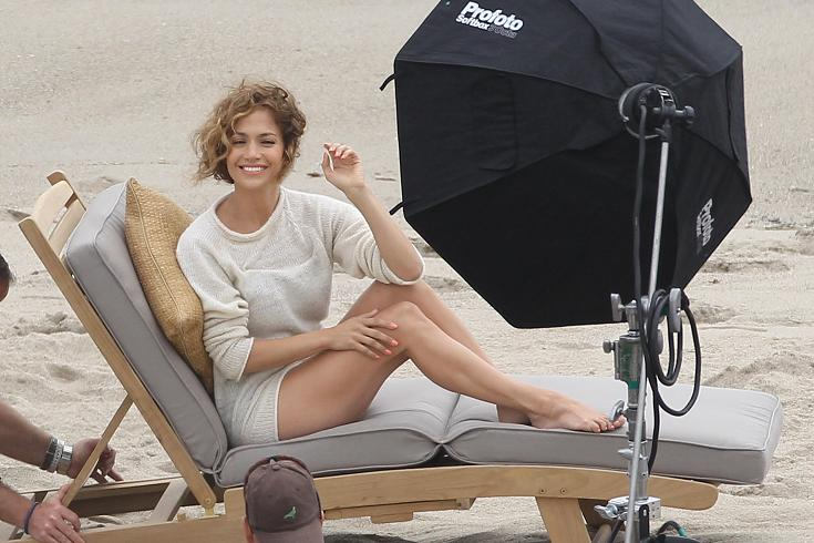 Jennifer Lopez Looks Matronly in Malibu