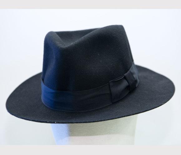 El sombrero fue vendido por un particular que lo había recogido durante un  concierto del Rey del Pop en Niza en 1988 03b6ef13c0d