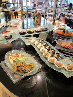 Stupendous The Traveling Foodies Hong Kong Langham Place Hotel Beutiful Home Inspiration Semekurdistantinfo