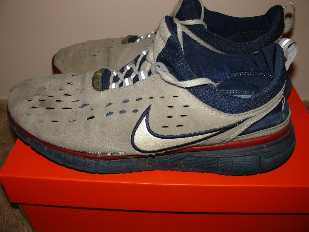 ric on the go: The beat up and old Nike Free v1