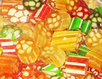 Değişik renklerde ve desenlerde cam akide şekeri