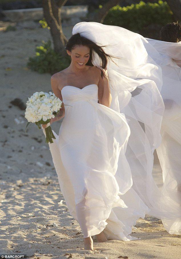 Modish Blog: Pix & Video: Megan Fox Wedding Dress & Ring
