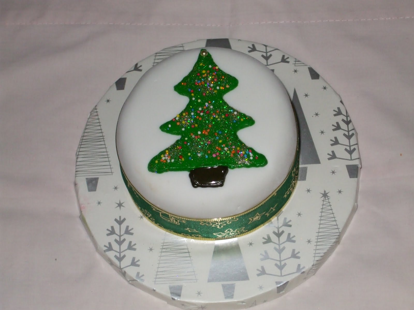 Fun Decorating More Mini Christmas Cakes 35