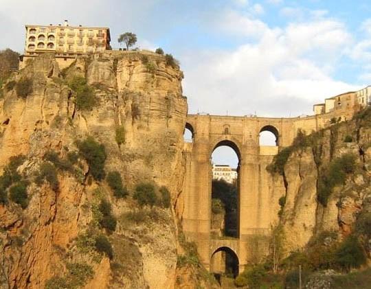 http://2.bp.blogspot.com/_CyHtBV3ws4M/TNBMax8u0gI/AAAAAAAAAEk/M8_JBMzWm0w/s1600/Pearls_of_Andalusia.jpg