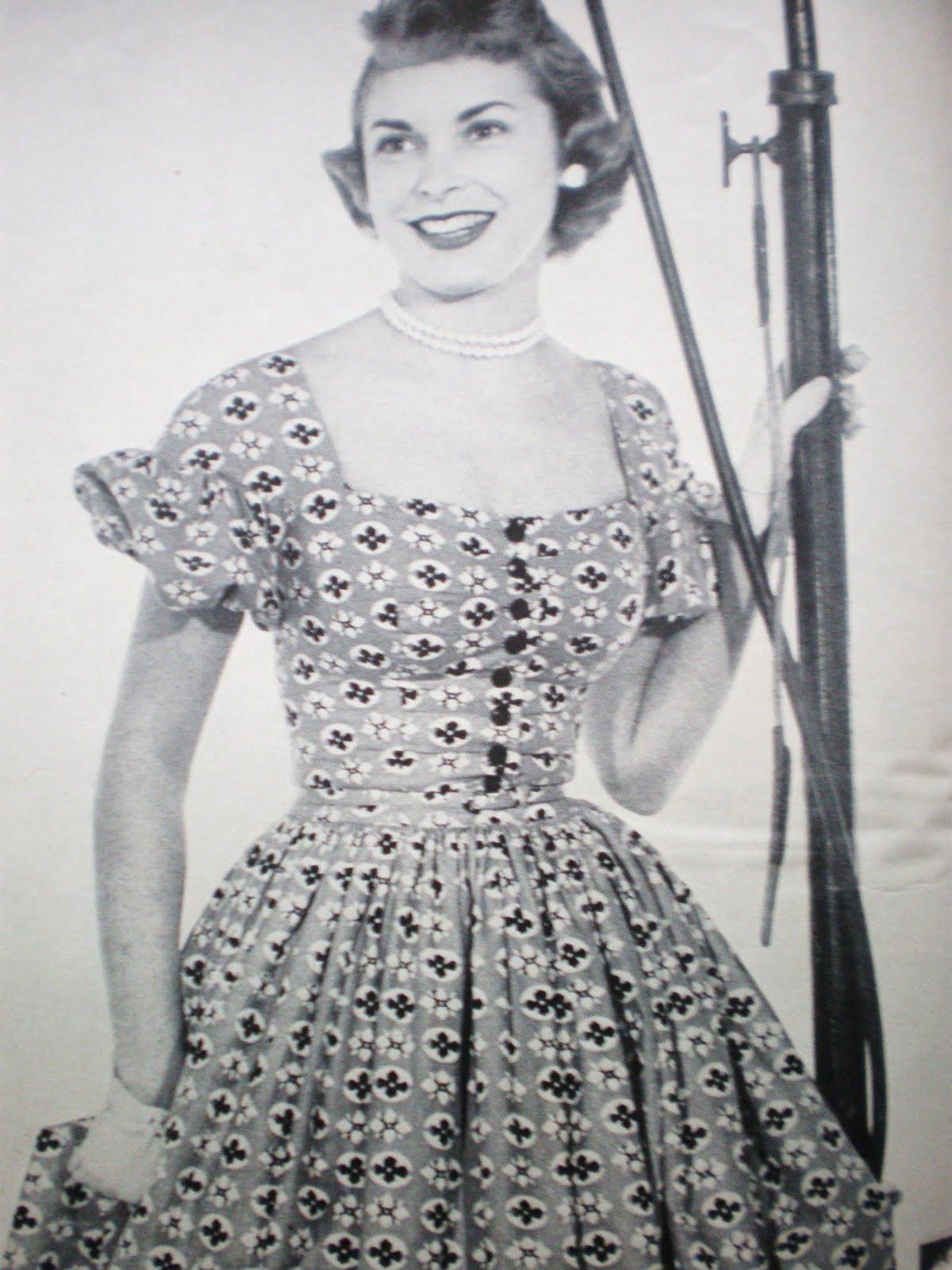 37723399472d 1950 s Vintage Dress Styles  Sew Summer Dresses Now! Liz Taylor Janet Leigh