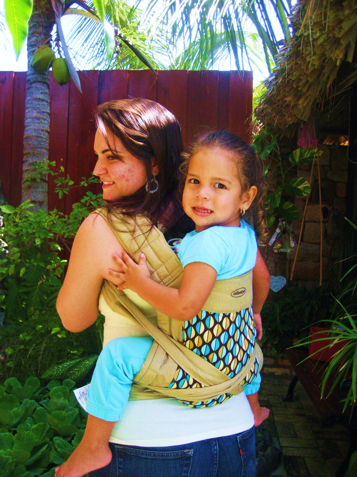 Aruban Breastfeeding Mamas Baby Carrier Review Infantino Wrap Tie