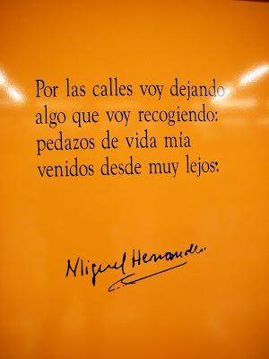 http://2.bp.blogspot.com/_D8oZIpgZbTE/S6KdkRb4ZDI/AAAAAAAAAXA/WxNsyk9Ha6s/s400/Poesia+y+Miguel_Hernandez.jpg