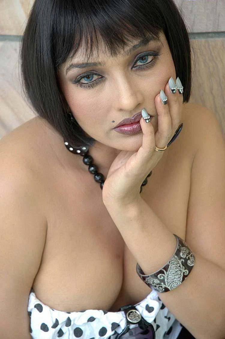 ramya boobs photos