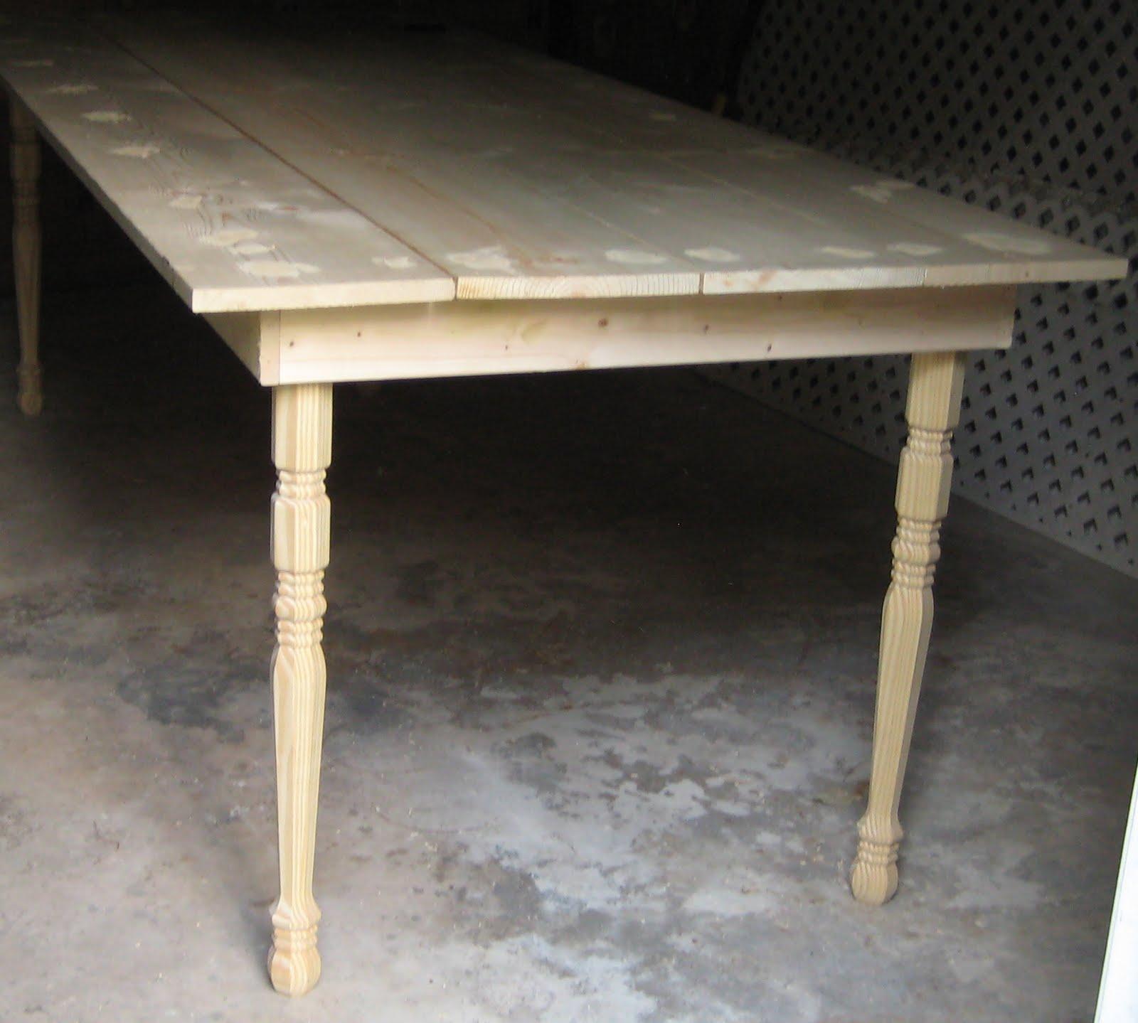 Splendid Minta: Outdoor Farm Table