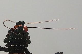 Паучок из бисера и бусин своими руками - пошаговые мастер-классы