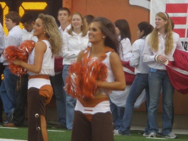 Pics blowjob don cheerleader chavez