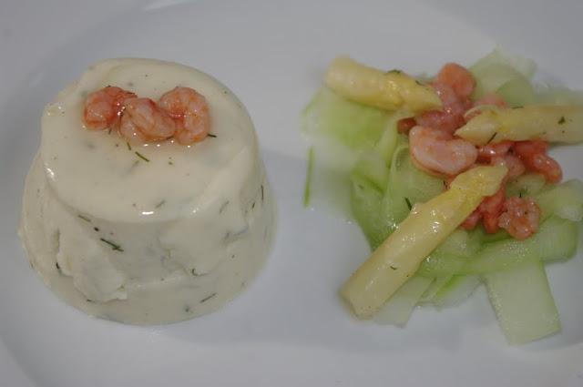 wolkenfees k chenwerkstatt spargelmousse mit gurken krabben scampi salat. Black Bedroom Furniture Sets. Home Design Ideas