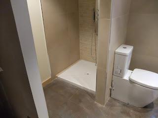 interiorismo,baño ,piedra