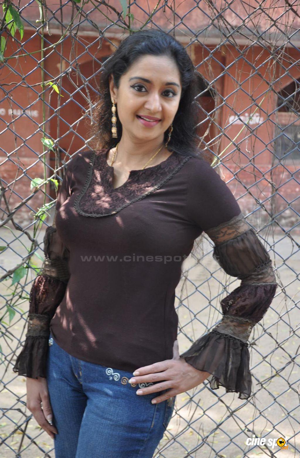 Unseen Tamil Actress Images Pics Hot Charmila Malayalam -5707