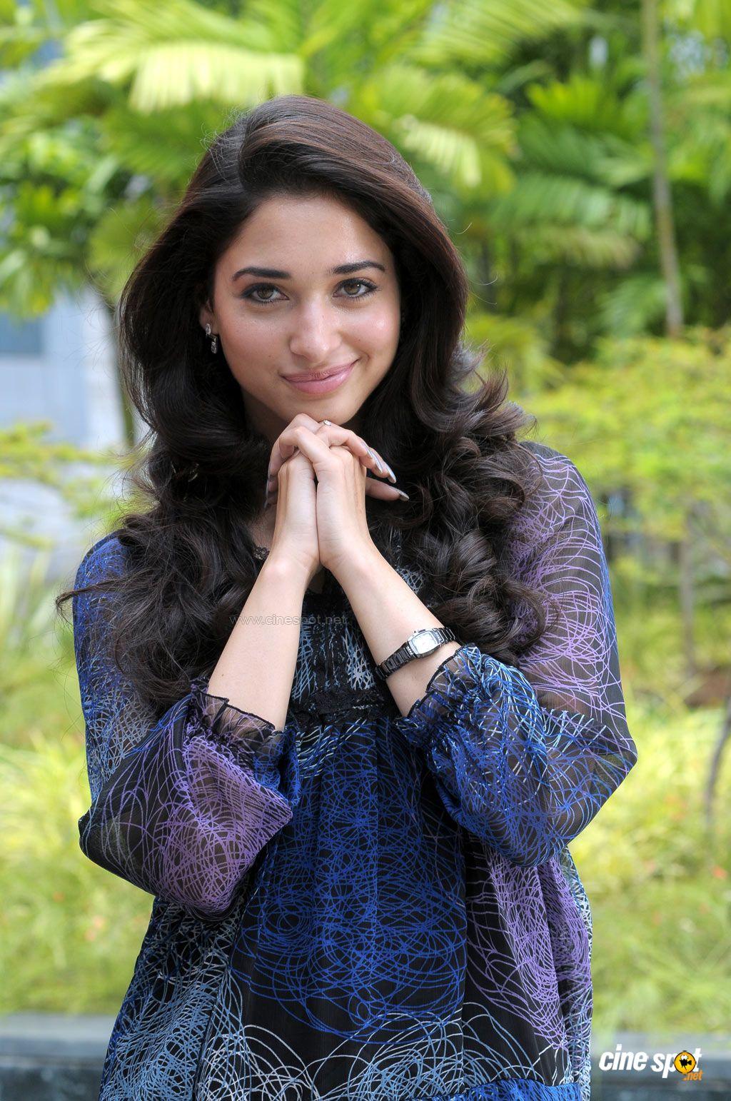 Tamanna Films: WELCOME: Tamanna Siruthai Tamil Movie Actress Hot Photos Pics