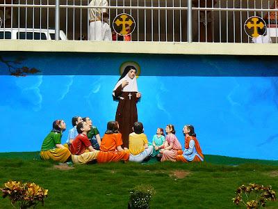 Imagini Pala: Alfonsa si copii