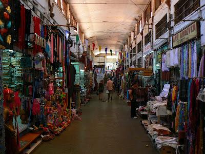 Obiective turistice Cipru: bazarul din Nicosia