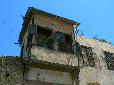 Linia Verde Nicosia: cladiri distruse de razboi
