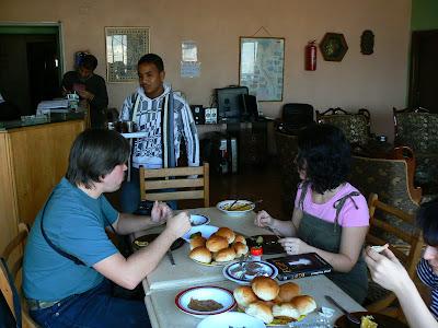 Cazare Egipt: Isis Hotel Cairo micul dejun cu Lumea Mare
