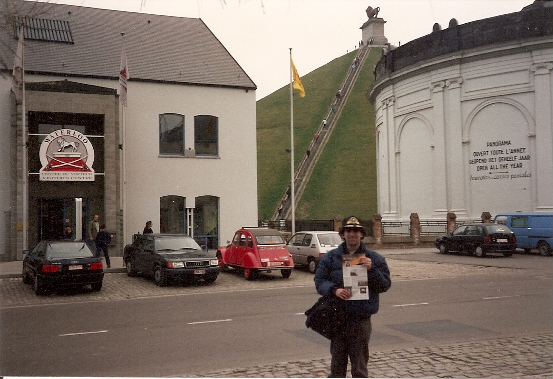 Cautand femeie in Belgia