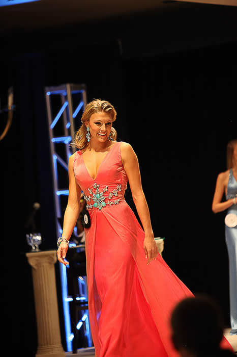 Miss Teen Texas Gives Up Title 40