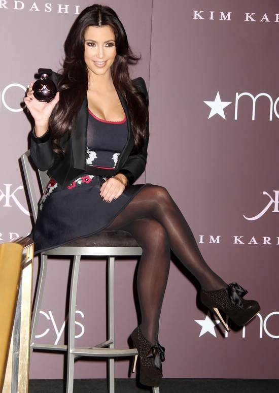 FunCruiser-The Sexy Babes Gallery !!!: Kim Kardashian